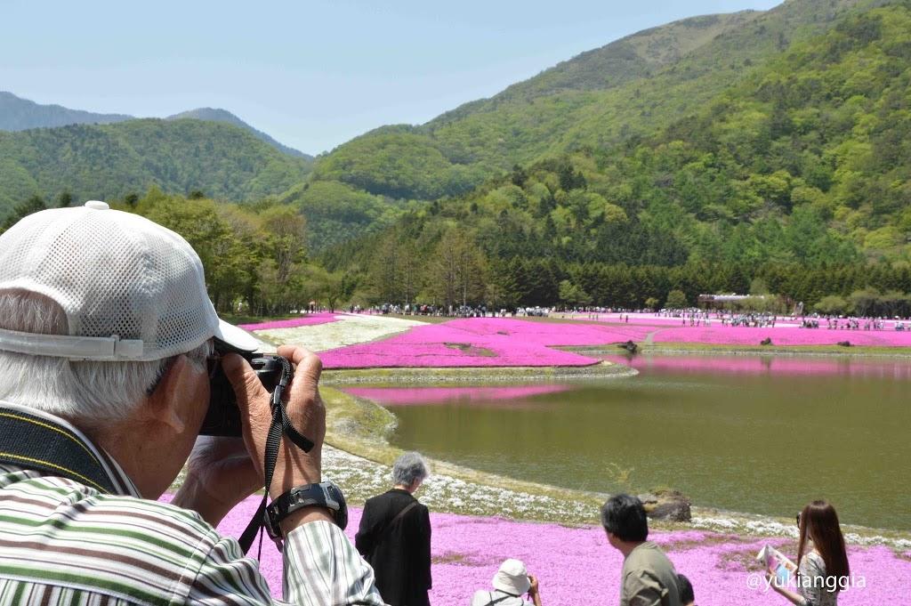 Lansia di Jepang biasanya hobi fotografi