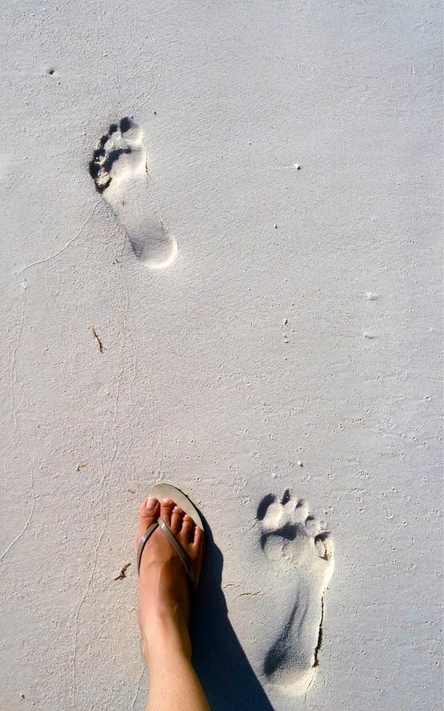Pasir putih sehalus bedak di Pantai Bara, Tanjung Bira