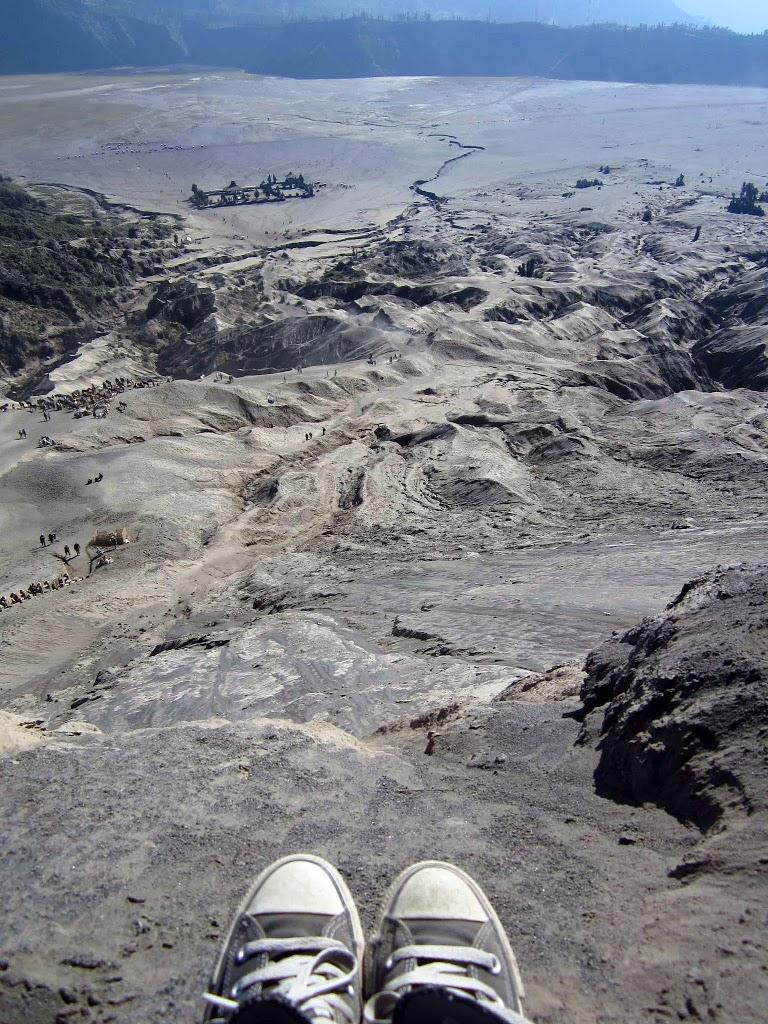 View dari Kawah Bromo, Probolinggo, Jawa Timur
