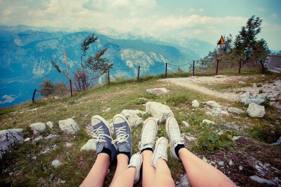 Vogel Ski Resort, Lake Bohinj, Slovenia (aaah mau juga kompakan pakai Chucks!!!)
