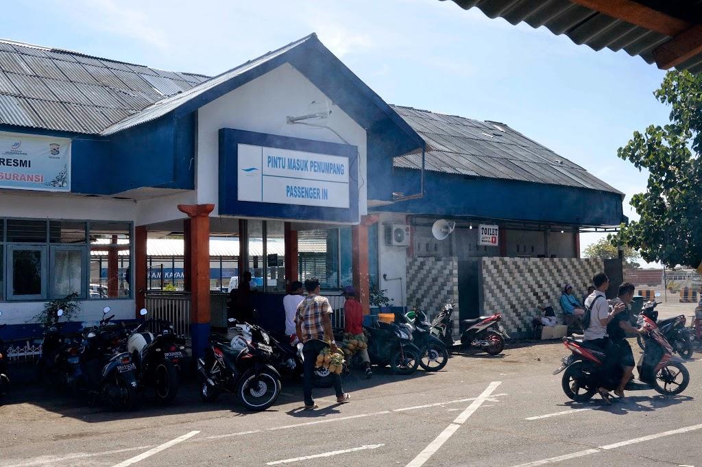 Pelabuhan Kayangan di Lombok Timur