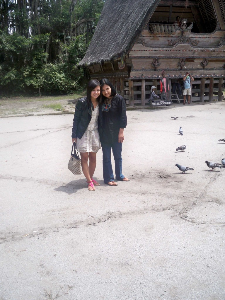 Setelah menonton Pertunjukan Sigale-gale di Museum Huta Bolon di Simanindo, Samosir
