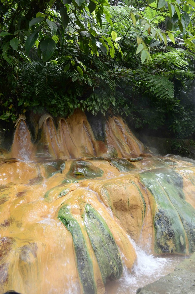 Sumber air panas Pancuran Pitu atau Pancuran Tujuh
