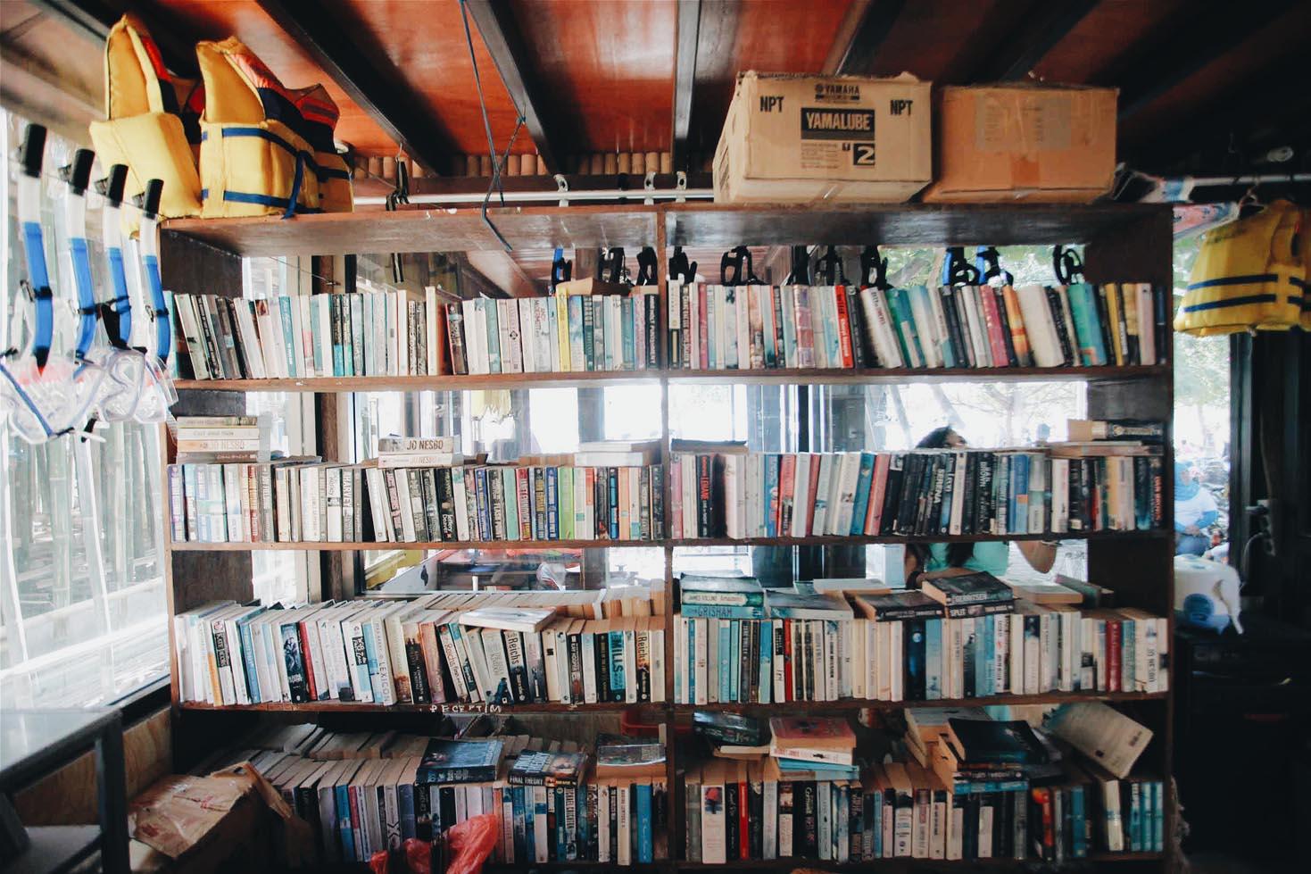 Koleksi buku berbagai bahasa