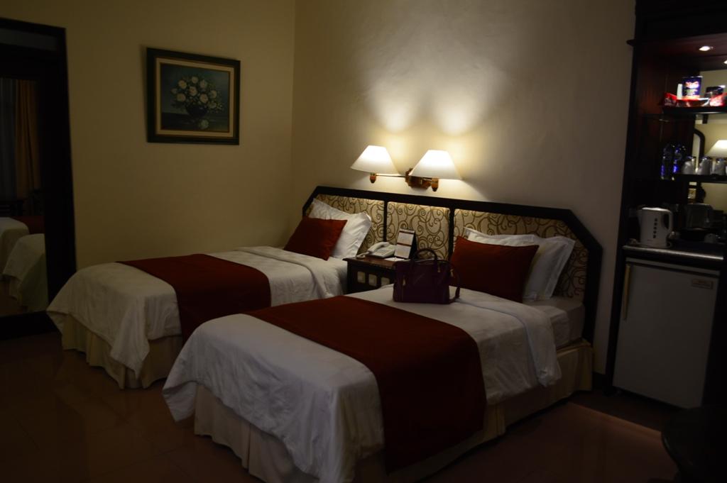 Suasana kamar Executive di Hotel Puri Asri