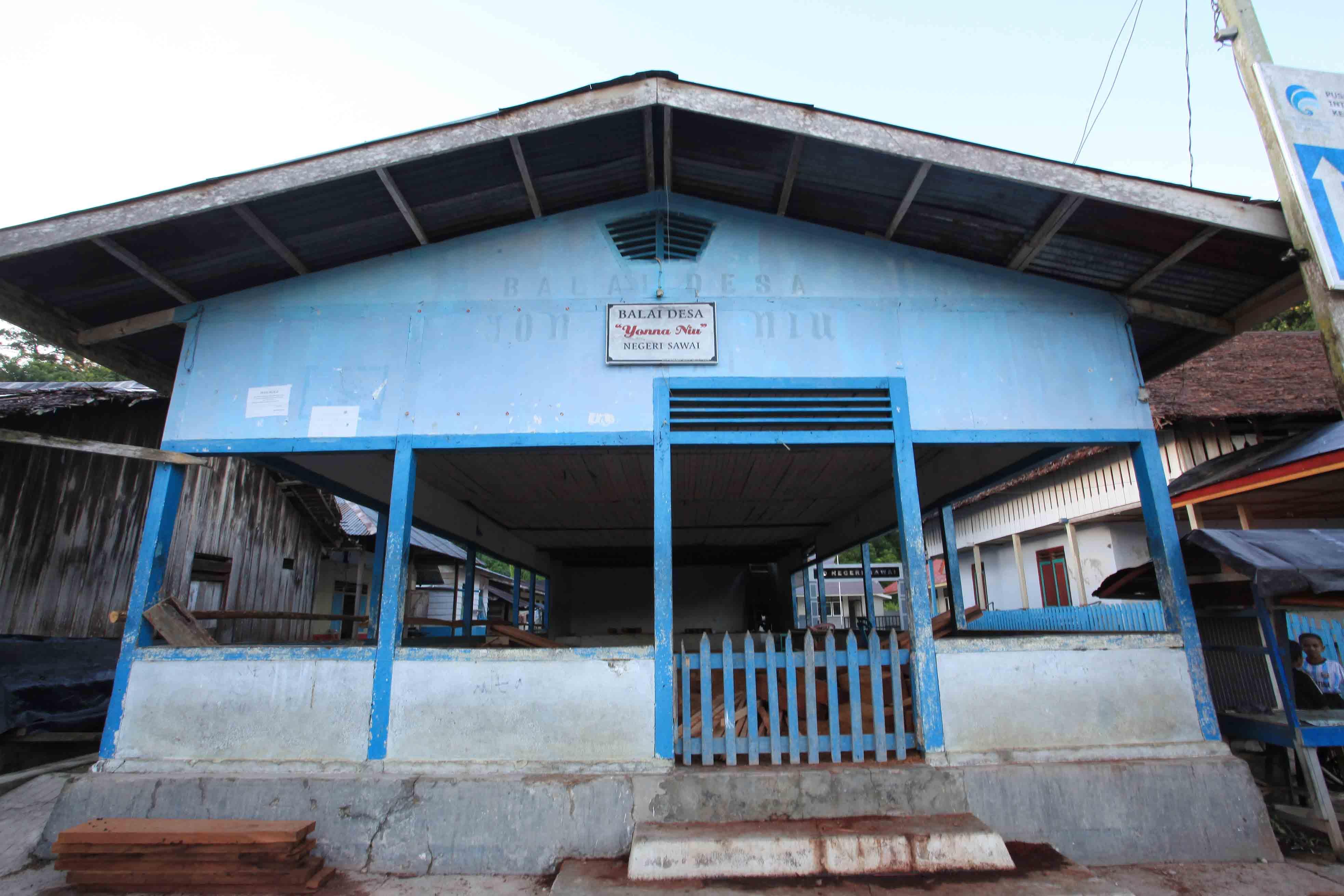Balai Desa yang terletak di tengah desa