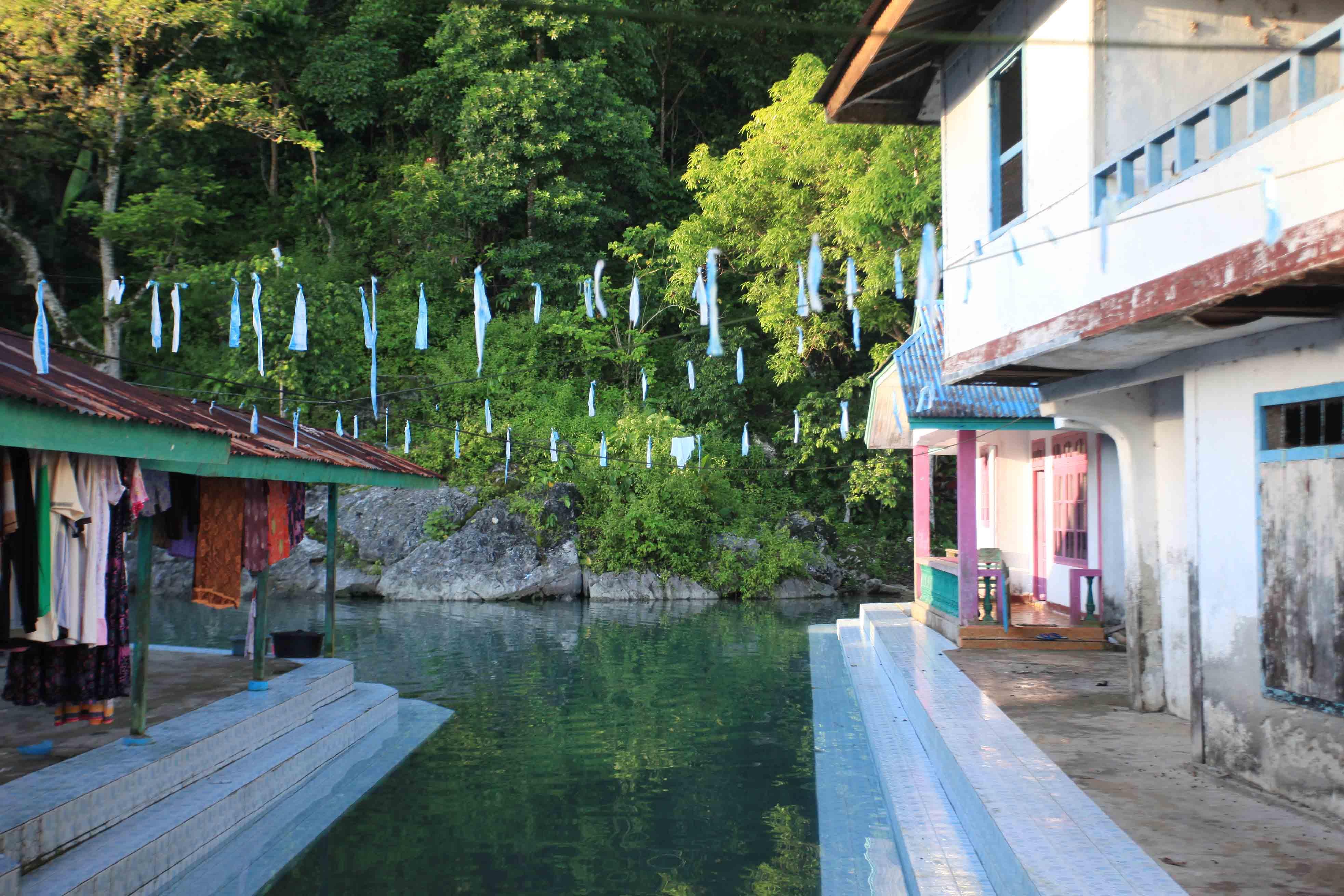 Di ujung adalah sumber mata air Desa Sawai
