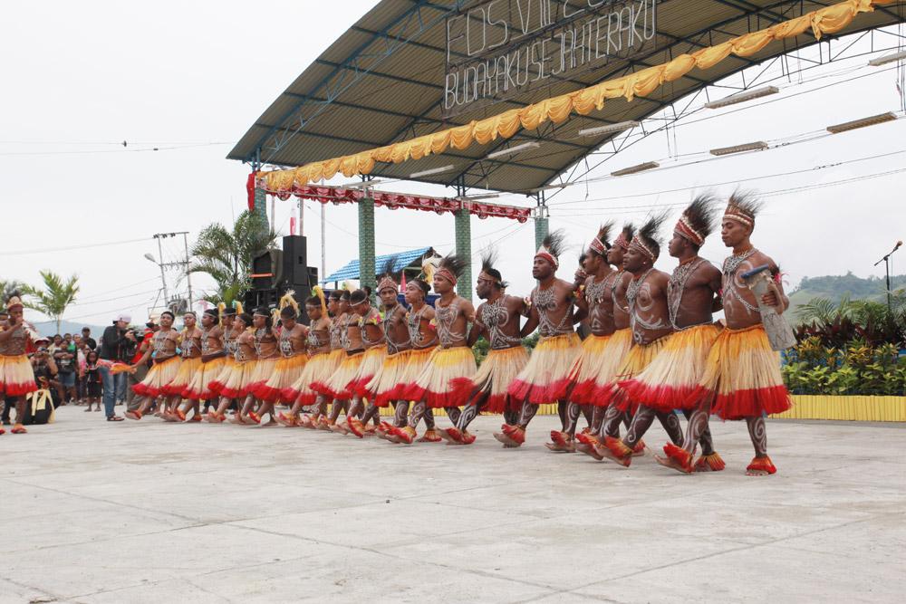 Pesona Festival Danau Sentani 2015