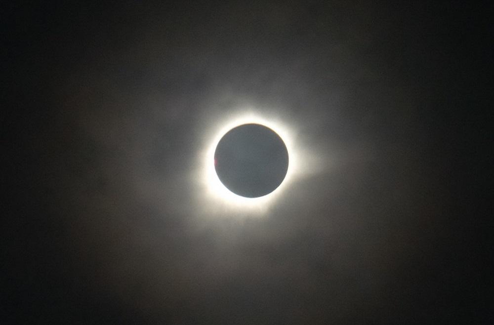 gerhana matahari total ternate