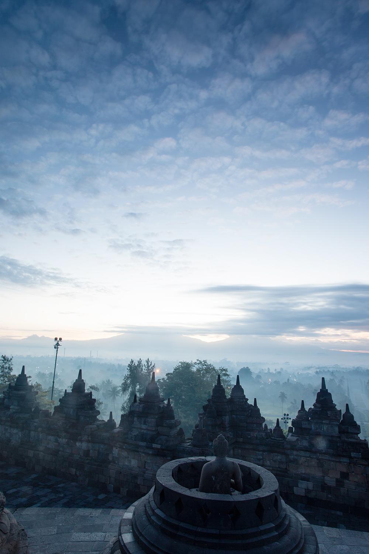 Lalita dan Semburat Fajar di Candi Borobudur